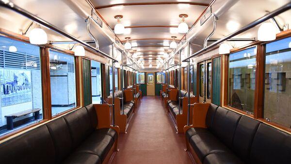 Ретро-вагоны Бакинского метрополитена, архивное фото - Sputnik Азербайджан