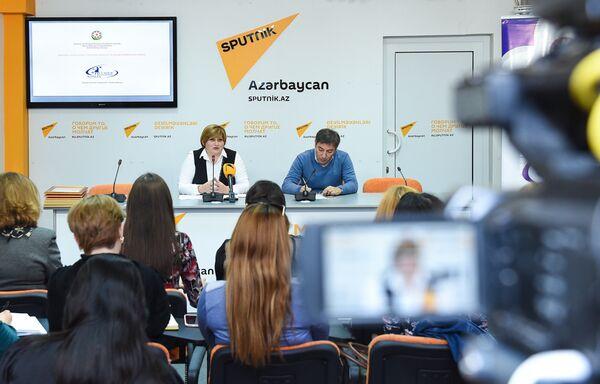 Обсуждения по поиску путей решения социально-психологических проблем азербайджанских женщин прошли в мультимедийном пресс-центре Sputnik Азербайджан - Sputnik Азербайджан