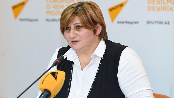 Qadın Liderliyi Uğrunda İctimai Birliyinin sədri Ülkər Abdullayeva - Sputnik Azərbaycan