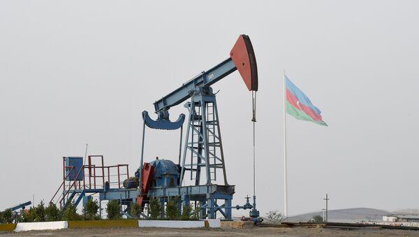 Нефтяной насос в Баку. Архивное фото - Sputnik Азербайджан