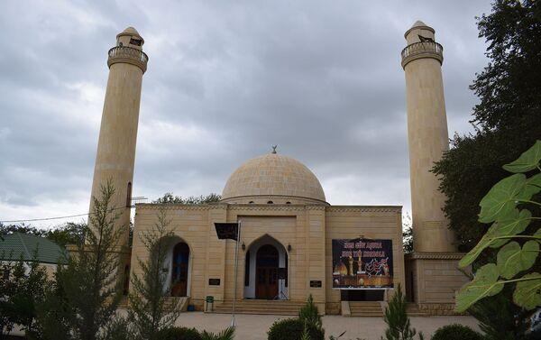 Святилище пророка Джарджиса на территории Бейлаганского района - Sputnik Азербайджан