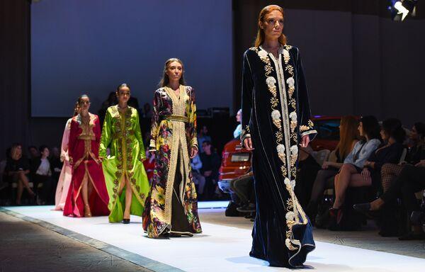 Шестой сезон азербайджанской недели моды Azerbaijan Fashion Week - Sputnik Азербайджан