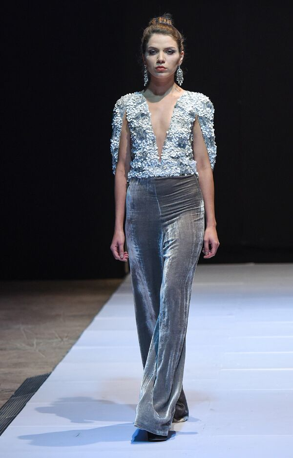 Шестой сезон азербайджанской недели моды Azerbaijan Fashion Week, завершительный день - Sputnik Азербайджан