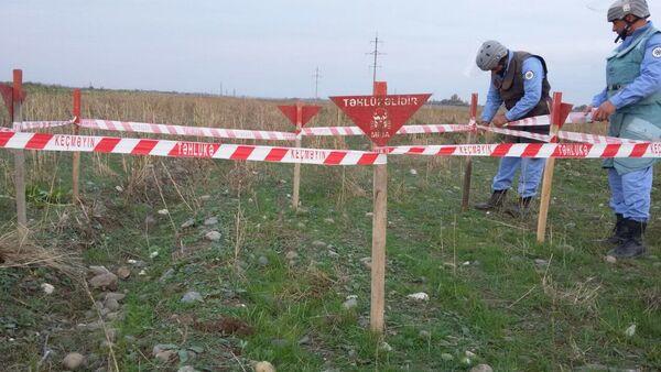 Обезвреживание противопехотной мины в Агдамском районе - Sputnik Азербайджан