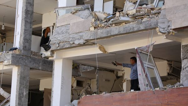 Последствия землетрясения в Иране, 13 ноября 2017 года - Sputnik Азербайджан
