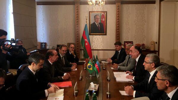 Министр иностранных дел Эльмар Мамедъяров встретился с министром иностранных дел Бразилии Алоизио Нунесом Феррейрой - Sputnik Азербайджан