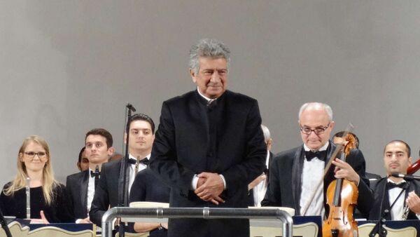 Дирижер Рауф Абдуллаев, фото из архива - Sputnik Азербайджан