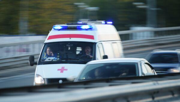 Автомобиль скорой медицинской помощи на дороге в Москве, фото из архива - Sputnik Азербайджан