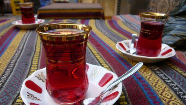 Чай в стакане армуду - Sputnik Azərbaycan