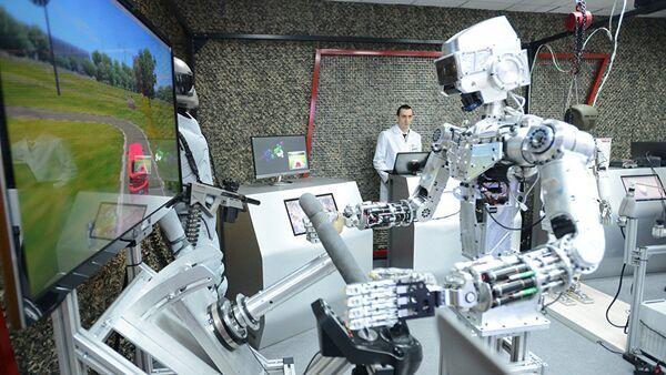 Робот, фото из архива - Sputnik Azərbaycan