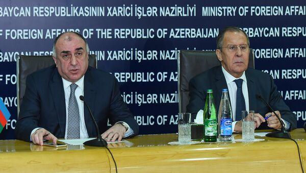 Министры иностранных дел России и Азербайджана Сергей Лавров и Эльмар Мамедъяров во время пресс-конференции в Баку - Sputnik Азербайджан