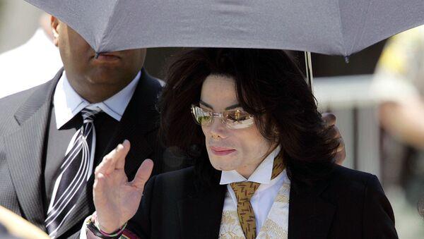 Американская поп-звезда Майкл Джексон, 3 июня 2005 года - Sputnik Азербайджан