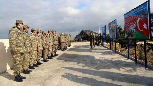 Открытие нового жилого комплекса подразделения противовоздушной обороны ВВС Азербайджана - Sputnik Азербайджан