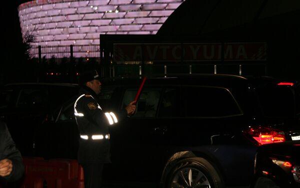 Меры безопасности во время игры между ФК Карабах и ФК Челси - Sputnik Азербайджан
