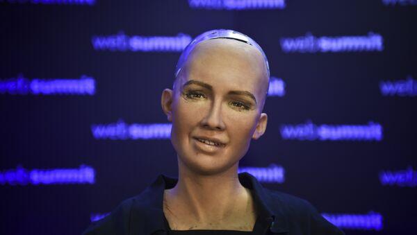 Человекоподобный робот София, разработанный специалистом фирмы Hanson Robotics Дэвидом Хэнсоном - Sputnik Азербайджан