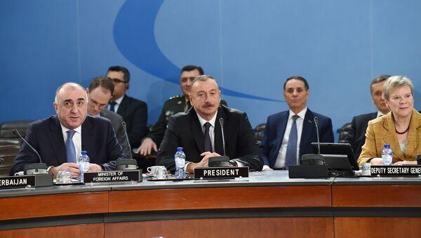 Ильхам Алиев принял участие в заседании Северо-Атлантического Совета НАТО - Sputnik Азербайджан