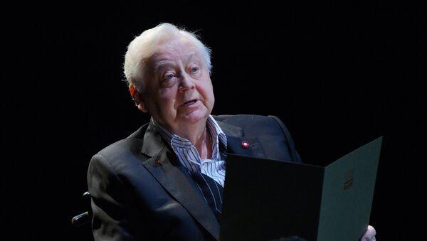 Художественный руководитель, директор Московского художественного театра (МХТ) имени А.П. Чехова Олег Табаков - Sputnik Азербайджан