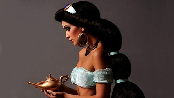 Девушка в образе принцессы Жасмин - Sputnik Азербайджан