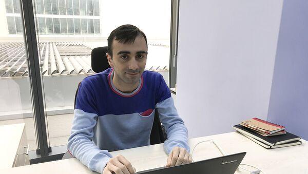 Менеджер цифрового маркетинга компании Azerfon Турал Керимов - Sputnik Азербайджан