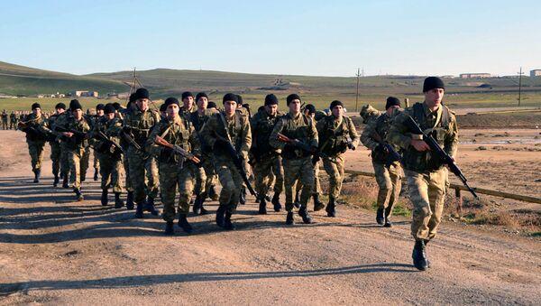Начался полевой выход курсантов Азербайджанского высшего военного училища - Sputnik Азербайджан
