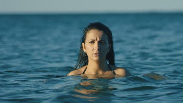 Кадр из фильма Собака, которая пила морскую воду - Sputnik Азербайджан