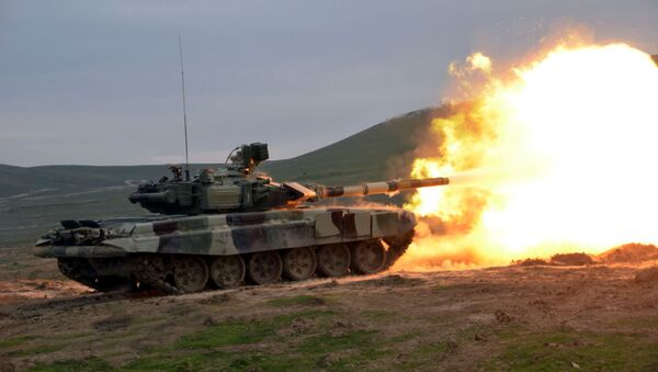 Silahlı Qüvvələrin bütün tank bölmələrində döyüş atışlı məşqlər keçirilir. - Sputnik Azərbaycan