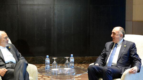 Встреча глав МИД Ирана и Азербайджана Мохаммада Джавада Зарифа и Эльмара Мамедъярова, Баку, 1 декабря 2017 года - Sputnik Азербайджан