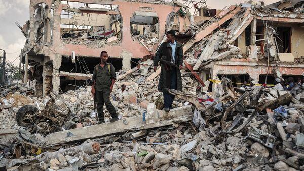 На месте взрыва в Сомали, фото из архива - Sputnik Азербайджан