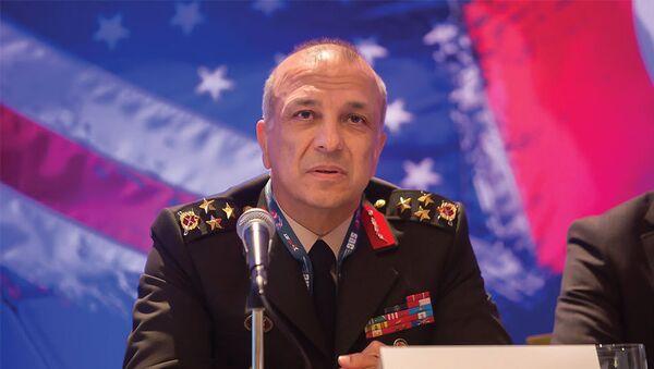 Генерал-лейтенант Явуз Туркгенджи - Sputnik Азербайджан