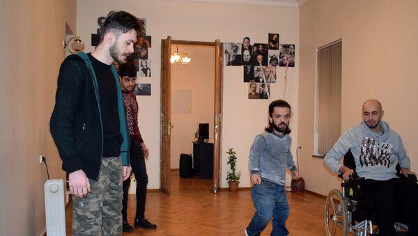 Репетиции спектакля Мыши и люди - Sputnik Азербайджан