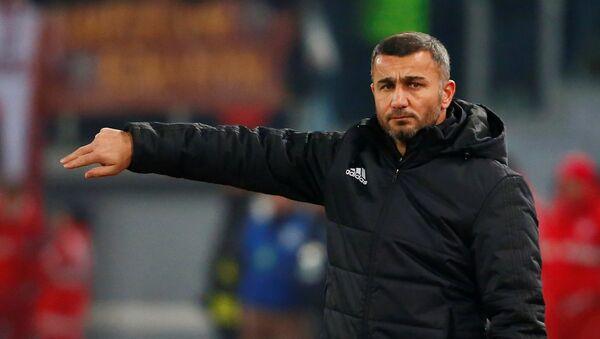 Главный тренер Карабаха Гурбан Гурбанов - Sputnik Азербайджан