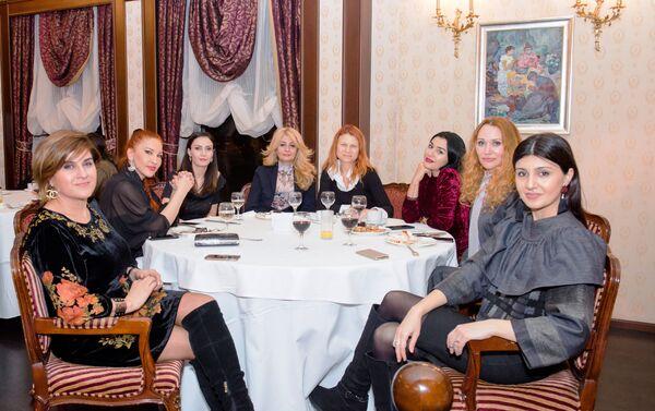 Второе собрание клуба известных и начинающих азербайджанских дизайнеров Baku Fashion Club - Sputnik Азербайджан