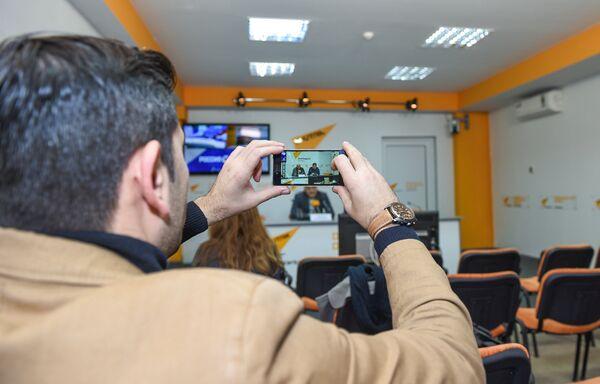 Видеомост Баку-Москва-Астана в мультимедийном пресс-центре Sputnik Азербайджан, посвященный проблемам Каспия - Sputnik Азербайджан