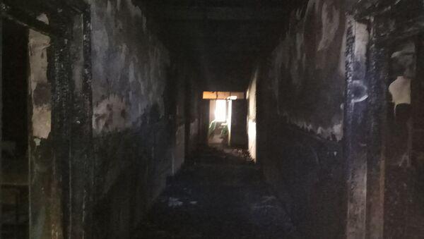 Tovuz rayonu Aşağı Quşçu kənd ümumi orta məktəbi baş vermiş yanğından sonra - Sputnik Azərbaycan