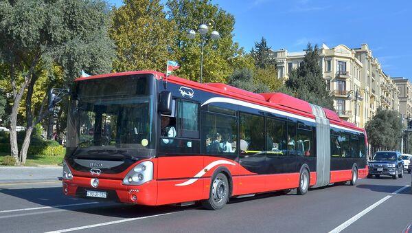Автобус-гармошка в Баку - Sputnik Азербайджан