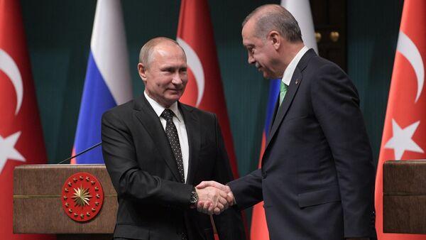 Президент РФ Владимир Путин и президент Турции Реджеп Тайип Эрдоган во время совместного заявления для прессы по итогам российско-турецких переговоров, 11 декабря 2017 года - Sputnik Азербайджан