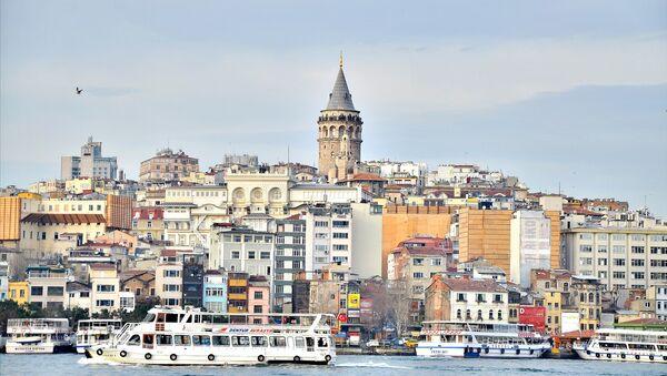 Вид на исторический район Стамбула Галата - Sputnik Азербайджан