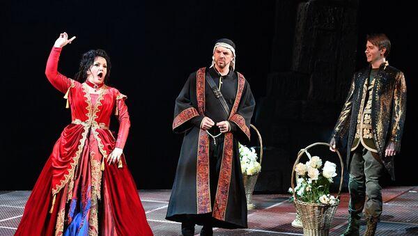 Показ оперы Трубадур, фото из архива - Sputnik Азербайджан