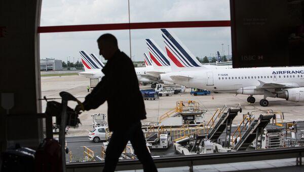Аэропорт Парижа – Шарль де Голль, фото из архива - Sputnik Азербайджан