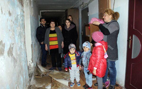 Здание общежития номер один на проспекте Бабека, 87 - Sputnik Азербайджан