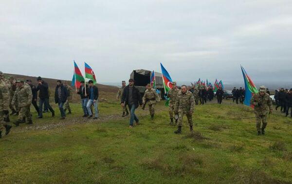 Похоронен ставший шехидом военнослужащий азербайджанской армии - Sputnik Азербайджан