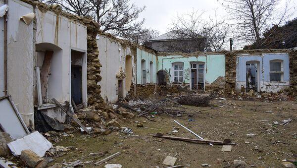 Bakı şəhəri Qurban Abbasov küçəsində sökülən evlər - Sputnik Azərbaycan
