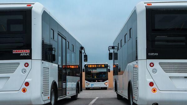 Avtobuslar, arxiv şəkli - Sputnik Azərbaycan