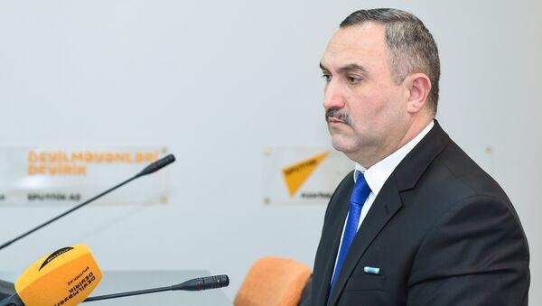 председатель Общественного совета при Государственной миграционной службе АР Азер Аллахверанов - Sputnik Азербайджан