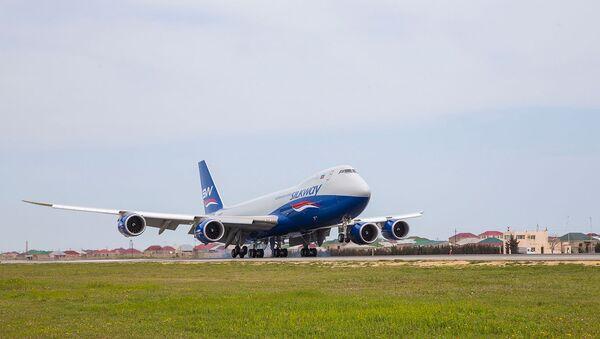 Самолет азербайджанской авиакомпании Silk Way - Sputnik Азербайджан