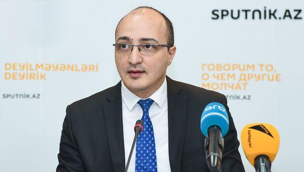 AR Prezidenti yanında Dövlət İdarəçilik Akademiyasının müəllimi Zaur Məmmədov - Sputnik Azərbaycan