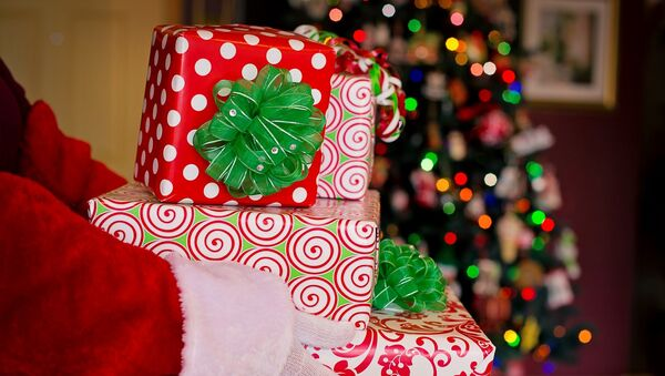 Новогодние подарки - Sputnik Азербайджан