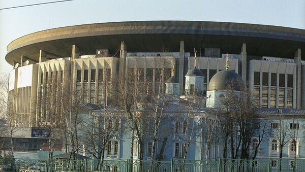 Вид на спорткомплекс Олимпийский и соборную мечеть - Sputnik Азербайджан