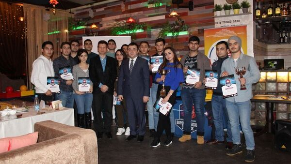 Победители интеллектуального шоу Ворошиловский стрелок - Sputnik Азербайджан