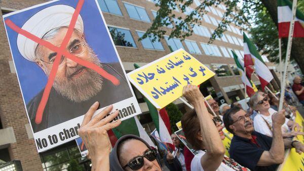 Протесты против президента Ирана Хасана Рухани, фото из архива - Sputnik Азербайджан